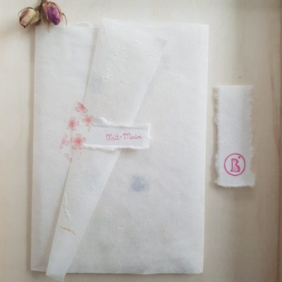 Emballage de petite impression sur papier fait-main
