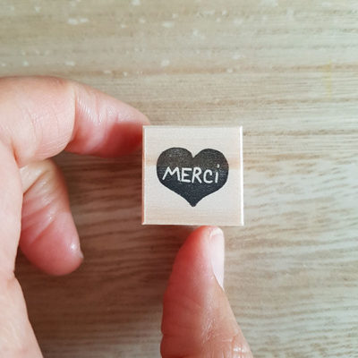 Tiny stamp coeur merci