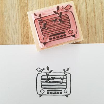 tampon radio vintage grave main
