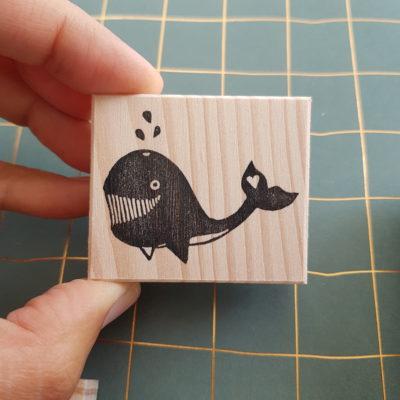 tampon baleine gravé à la main